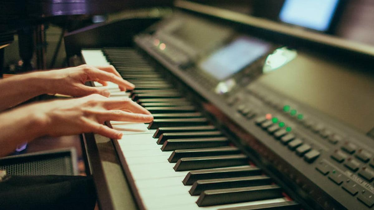Top 7 Best Cheap Keyboard Piano