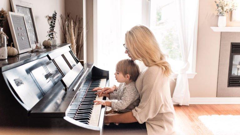 Top 6 Best Digital Piano Under 1000$